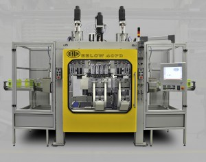 Premiere bei BEKUM: Vollelektrische Blasformmaschine EBLOW 407 D mit 150 kN Schließkraft (Foto: Bekum)