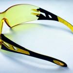 K.D. Feddersen: Brillenscharnier ohne Metall