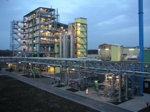 Lanxess hat auf seiner World-Scale-Anlage in Hamm-Uentrop aus 20 t biobasiertem Butandiol PBT produzier (Foto: Lanxess)