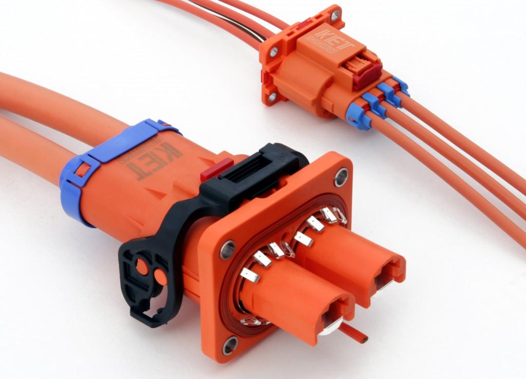 Das neue Crastin HR HFS, das für die 20-A- und 200-A-Kfz-Hochspannungs-Schirmverbinder von KET eingesetzt wird, besitzt die mechanische Festigkeit von Polyamid 66 bei einem außerordentlich hohen CTI-Wert von 600 V. (Foto: DuPont)