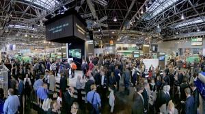Arburg war für Fachbesucher und Kunden aus aller Welt ein wahrer Publikumsmagnet. Der Bedeutung der K 2013 und der Exponate entsprechend präsentierte sich Arburg mit einem 1.650 m² großen doppelstöckigen Messestand. (Foto: Arburg)