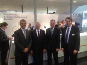 Die Vorstandsmitglieder von Composites Germany, von links nach rechts:  Dr. Michael Effing (AVK), Prof. Axel Herrmann (CFK-Valley), Dr. Reinhard Janta (CCeV), Frank Peters, VDMA (Foto: AVK)