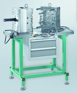 Der luftgelagerte Montagetisch von Meusburger bietet Handlingvorteile für den Werkzeug- und Formenbauer. (Foto: Meusburger)