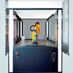 Die Robobox ist eine kompakte und modulare Werkzeugmaschine mit integriertem Roboter. (Foto: Toolcraft)