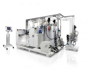 Schnell reagierende Harzsysteme im Hochdruck-Resin Transfer Molding (HD -RTM) sind der Schlüssel für kurze Zykluszeiten, etwa für den Seitenrahmen des i3, hergestellt auf Reaktionstechnikanlagen. (Foto: Krauss Maffei)