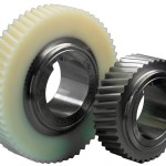 Low-loss Zahnräder aus PA 12C Kunststoff Lauramid und Stahl. Low-loss Verzahnungen zeigen sich optisch durch niedere Zahnhöhen und schrägere Eingriffswinkel. (Foto: Handtmann)