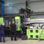 Kürzlich hat Roder die erste Spritzgießmaschine mit einer Schließkraft von 7.000 kN installiert. (Foto: Roder)