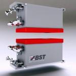 Der neue Sensor dient der berührungslosen Dickenmessung dünner, flachbahniger Materialien. (Foto: BST Procontrol)