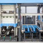 Die in der KMD 90 zwischen der Form- und Stanzstation eingebaute Werkzeugwechselstation ermöglicht eine schnelle und ergonomische Bedienung. (Foto: Kiefel)