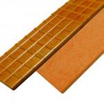 Die Wärmeisolierplatten mit Wabenstruktur sorgen für einen geringeren Energieverlust an beheizten Spritzgieß- und Presswerkzeugen. (Foto: Hasco)