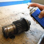 Der neue Reiniger Rivolta S.B.C. eignet sich besonders zur Reinigung und Entfettung von metallischen Oberflächen. (Foto: Bremer & Leguil)