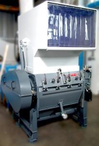 Als Repräsentanten seiner Trichtermühlen-Generation RS 45000 zeigt Getecha auf der Fakuma eine RS 45090 für mittlere Stundendruchsätze von bis zu 1.200 kg. (Foto: Getecha)