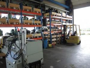 Rund 10.000 Ersatzteile, darunter Elektronikkarten, Hydraulikventile, Monitore, Temperaturregler, vermessene Plastifiziergarnituren sowie Schließzylinder und -kolben sind vorrätig.  (Foto: Bernd Grigat)