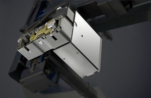 Flexflow-Nadelverschluss-System mit Servomotor für hochwertige Class A-Oberflächen bei großflächigen Formteilen (Foto: HRSflow)