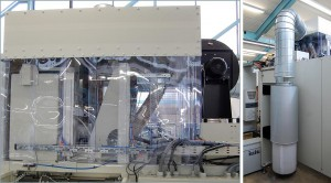 Das neue UA-Kühlkonzept: Ein zentrales, an der Formstation oben angeordnetes Gebläse saugt über das Zuführungsrohr die gefilterte Kühlluft direkt vom Hallenboden neben der Maschine an (r.). Die hier dargestellte Ausbaustufe (l.) beinhaltet auch eine Absaughaube, um Ausdünstungen aus dem aufgeheizten Kunststoff gezielt abzuführen. (Foto: Illig)