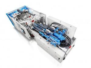 Kompakt und leistungsstark: Die neue Mehrkomponenten-Spritzgießmaschine GXH mit parallelen Spritzeinheiten. (Foto: Krauss Maffei)