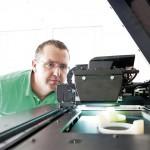 Die 3D-Drucker bei Pöppelmann können innerhalb weniger Stunden nach Fertigstellung der CAD-Daten die Prototypen aufbauen. Diese Vorserienmuster können auch komplexe Strukturen detailgetreu abbilden. (Foto: Pöppelmann)