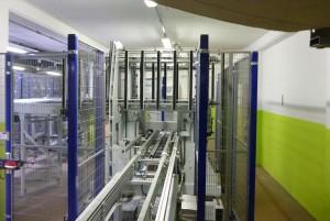 Die Abstapelung der EPS-Fertigplatten erfolgt im Bundstapler als zweimal 500 mm hohe Doppelbunde (Foto: Bürkle)