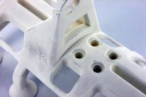 Bild 4: Detailaufnahme des fertigen Polyamid Körpers direkt nach der Entnahme aus der PA-Forming Anlage. (Foto: ASS)