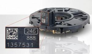 Kunststoff-Automobilbauteil mit lasermarkiertem 2D-Code. (Foto: Foba)