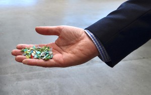 Auch komplexes Recyclingmaterial läuft problemlos in der zentralen Materialförderanlage. (Foto: Motan-Colortronic)