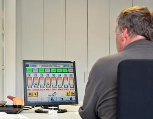 Die Leistände bieten Bedienkomfort und Sicherheit. Sie laufen auf üblichen PC und erfordern keine spezielle Hardware. (Foto: Montan-Colortronic)