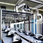 Auf einer MX 2300 von Krauss Maffei produziert KTW Radschalen aus Recyclingmaterial für einen großen Automobilhersteller. Die adaptive Prozessführung APC forciert dabei die Null-Fehler-Produktion. (Foto: Krauss Maffei)