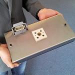 Für die angepasste Temperaturführung von Kunststofffolien entwickelt Hotset kunden- bzw. anwendungsspezifische Heizplatten. (Foto: Hotset)