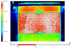 Die Flächentemperatur-Differenzen beim Einsatz von Standard-Heizplatten können im Extremfall bei bis zu 15 K liegen. (Abb.: Hotset)