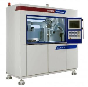 Auf einer Micropower 15/10 werden Kleinstteile aus Flüssigsilikon gefertigt. (Foto: Wittmann Battenfeld)