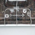 Mit dem neuen Verfahren kann aus der Anlage bzw. dem Werkzeug direkt ein Bauteil mit einer sauberen Endkante entnommen werden. (Foto: Frimo)