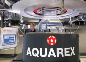 Durch den verstellbaren Wasserkalibrator Aquacage wird die Blasfolienanlage Aquarex flexibler. (Foto: Windmöller & Hölscher)