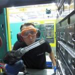 Die Trockeneisreinigungsmaschinen bieten mit umfangreichem Zubehör effektive Reinigungslösungen für die Kunststoffindustrie. (Foto: Cold Jet)