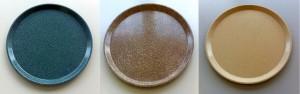 Die Bulk Molding Compounds (BMC) mit Baumwoll-, Jute- oder Sisal-Fasern (v.l.) weisen je nach Rezeptur ähnliche Eigenschaften wie klassische GFK auf. (Foto: Lorenz)