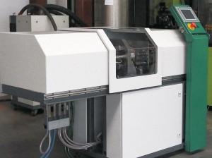 MW injection 50 – die in Mittweida entwickelte Spritzgießmaschine für Klein- und Mikroteile ist vielseitig einsetzbar. (Foto: Ökoplast)