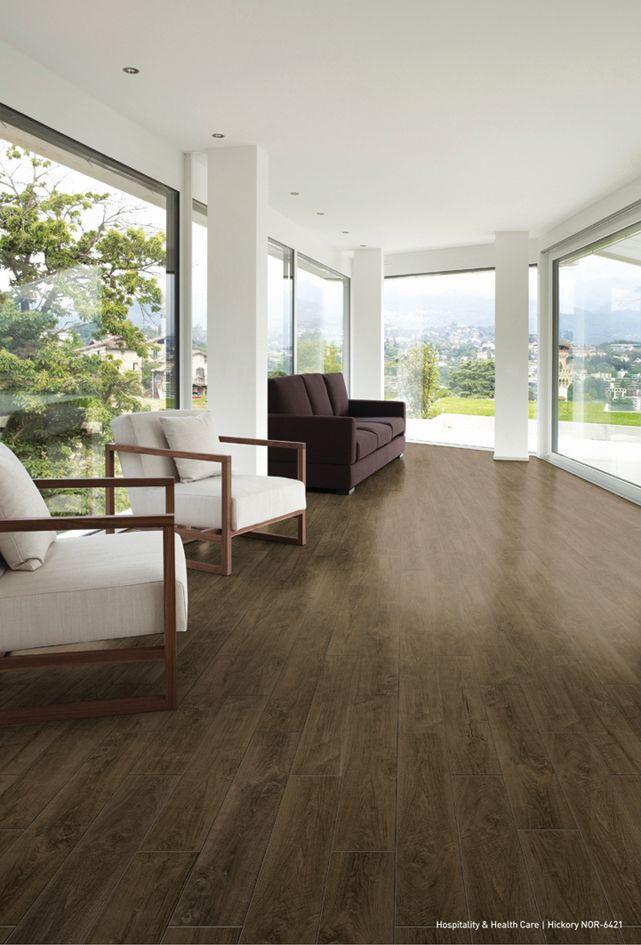 LVTs können als Fußbodenbelag in unterschiedlichsten Gebäuden, z.B. Büros, Hotels, Bildungseinrichtungen oder Restaurants verwendet werden (Foto: NOX Corporation)
