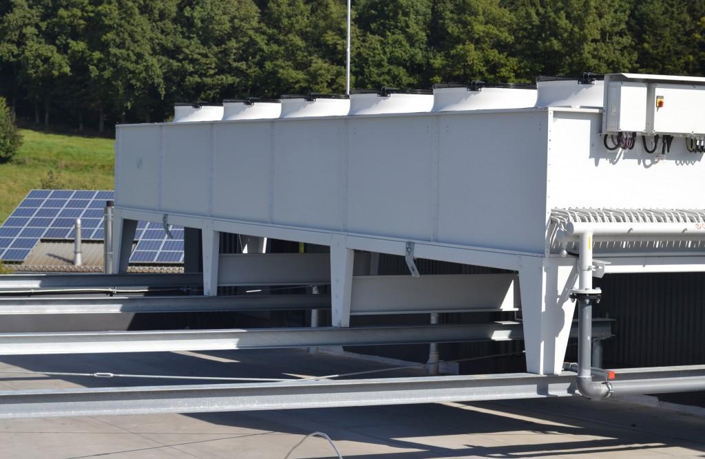 Für die Sorcole GmbH wurde eine individuelle Rückkühlanlage mit einer Kühlleistung von 166 kW und Kaltwassertemperaturen von 15 °C Werkzeugkreis, 17 °C Kühldecke und 30 °C Hydraulik konzipiert (Foto: gwk).