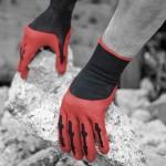 TPE verleiht den Arbeitshandschuhen Grip It Max eine Anti-Rutsch-Wirkung. (Foto: Hexpol)