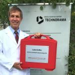 Dr. Vladimir Purghart nutzt den Laborkoffer regelmäßig, um seinen Kunden im Handumdrehen Analyseergebnisse präsentieren zu können. (Foto: Rominger)