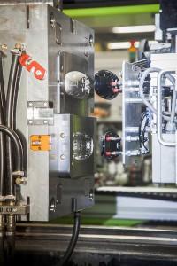 Durch die Veredelung der Spritzgießwerkzeuge verbesserten sich Entformbarkeit und Wartungsaufwand. (Foto: Oerlikon Balzers)