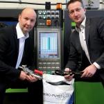 Plasmatreat/Akro-Plastic: Starke Haftung von Kunststoff auf Metall