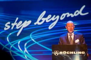 Ludger Bartels, Vorstandsvorsitzender von Röchling, begrüßt die rund 250 Geburtstagsgäste in der Völklinger Hütte. (Foto: fotoduda)