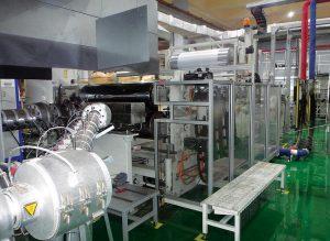Die Anlage mit Multi-Touch Glättwerk im Werk in Ansong. (Foto: Dongjin)