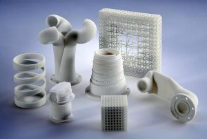 Modellhafte aus dem PA 12-Pulver Vestosint im 3D-Druck hergestellte Bauteile. (Foto: Evonik)