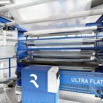 Mit dem System Evolution Ultra Flat lässt sich die Planlage von Blasfolien so verbessern, dass Weiterverarbeitungsprozesse deutlich vereinfacht sind. (Foto: Reifenhäuser Blown Film)