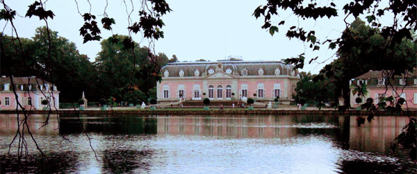 Schloss Benrath (Foto: elkawe/Wikimedia Commons)