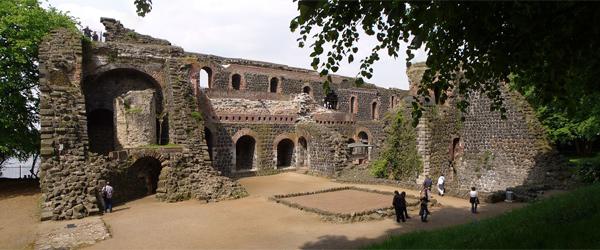 Schlossruine Kaiserpfalz am Rhein (Foto: secular mind/Wikimedia Commons)