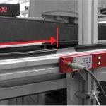 Stückgut und Längenmesssystem SLM zur berührungslosen Messung von Film- und Folienbahnen oder Extrusionsprofilen. (Foto: Elovis)