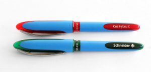 Für die neue Tintenschreiber-Serie One kommen im 2K-Spritzgießverfahren zwei Blueflow-Düsentypen zum Einsatz. (Foto: Schneider)