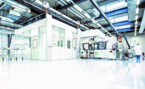 Die Integration von Reinraumanforderungen nimmt im Industriebau für die Kunststoffbranche eine immer wichtigere Rolle ein. (Foto: IE Plast)